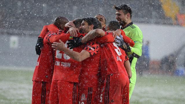 Beşiktaş'tan şampiyonluk açıklaması: En büyük aday biziz