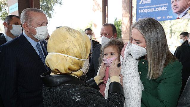 Cumhurbaşkanı Erdoğan'ı İzmir'de Ayda bebek karşıladı