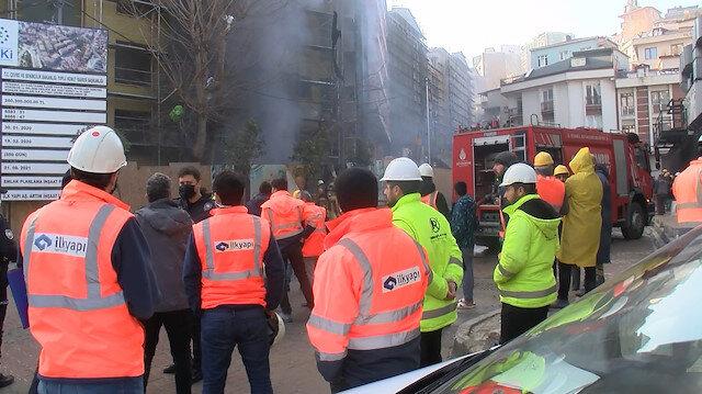 Kağıthane'de inşaat şantiyesinde korkutan yangın: Alevler binanın ön cephesini sardı