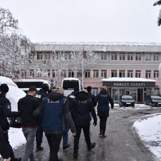 Muş'ta gençleri kandırıp dağa kaçıranlara operasyon: 23 gözaltı