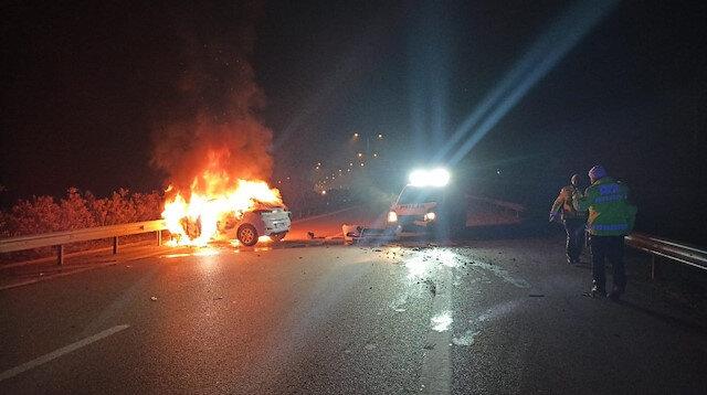 Bursa'yı birbirine katan araç: Polis aracına çarpıp alev topuna dönünce durdurulabildi