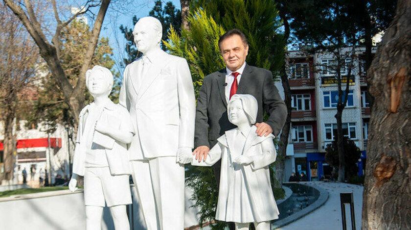 Bilecik'e daha önce yapılan 'Atatürk ve Çocuklar' heykeli