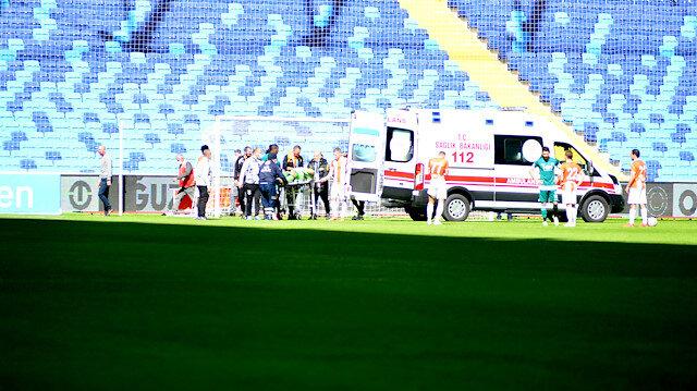 Adanaspor kalecisi Goran Karacic maçta fenalaştı