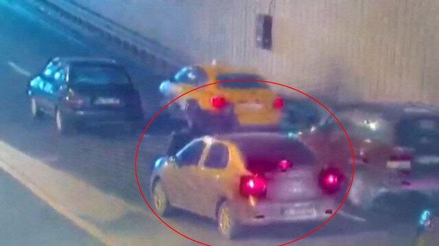 Döviz bürosuna ait nakit para taşıyan kuryeyi trafiğin ortasında gasp ettiler: 1 milyon 200 bin lira ile kaçtılar