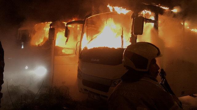 Bursa'da iki otobüs alevler içinde kaldı