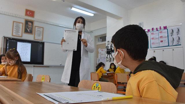 Öğretmenlerin aşılanma süreci başladı: Peki aşı programı nasıl işleyecek?