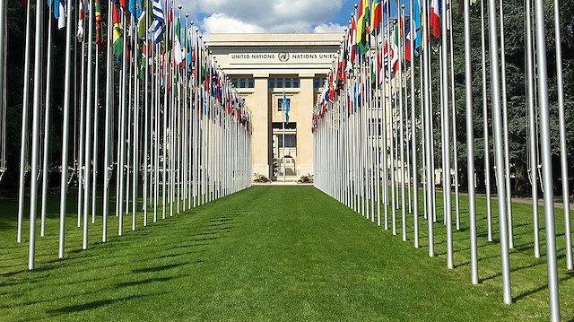 BM Kıbrıslı tarafları ve garantör ülkeleri bir araya getirecek