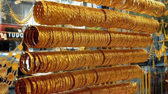 Altın günü düşüşle kapattı: Gram altın 413 lira oldu