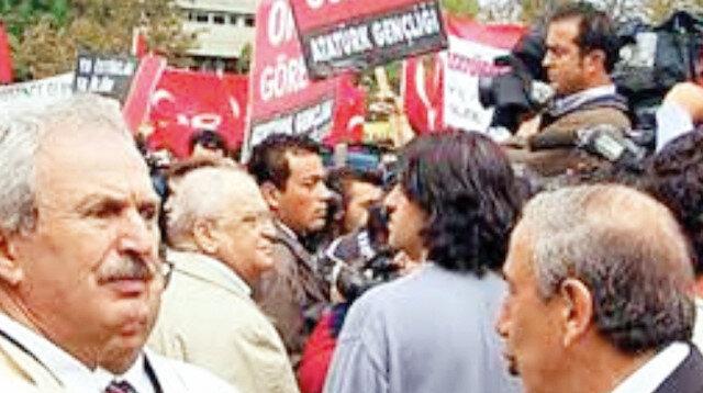 28 Şubat'ın yasakçı rektörleri Boğaziçi kliğine arka çıktı: Özgürlük diyene bak!