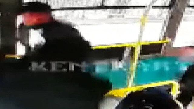 Kocaeli'de HES kodu uyarısı yapan halk otobüsü şoförüne saldırı kamerada