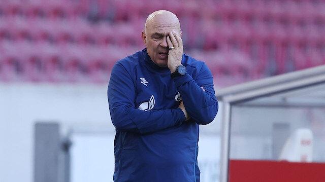 Schalke'de teknik ekibin görevine son verildi