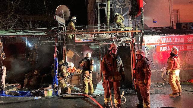 Arnavutköy'de bir lokanta, çıkan yangında küle döndü
