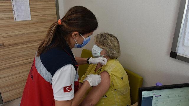 Marmaris'te 2. doz aşılarını olan yerleşik yabancılar: Ülkemizde sistem bu kadar iyi değil