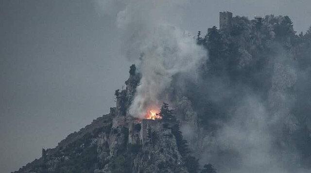 KKTC'de tarihi kalede yangın