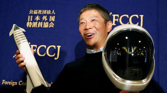 Japon milyarder Ay seyahati için kendisine eşlik edecek 8 kişi arıyor