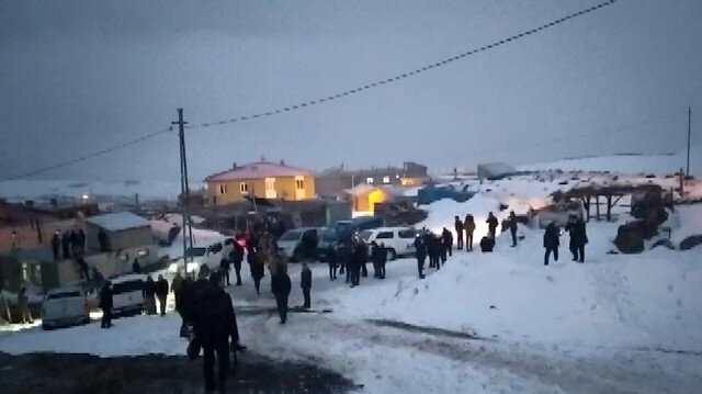 Bitlis'te askeri helikopter düştü: Siyasilerden 11 şehidimiz için başsağlığı mesajı
