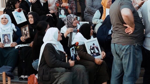Fahrettin Altundan dikkat çeken Diyarbakır anneleri paylaşımı: PKKyı da, onların siyasetteki yandaşlarını da bu annelerimiz bitirecek