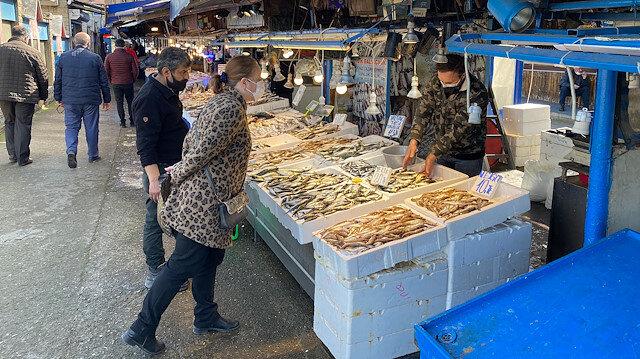 Trabzon'da balıkçı tezgahlarında hamsinin yerini diğer çeşitler aldı: Ne oldu biz de anlamadık