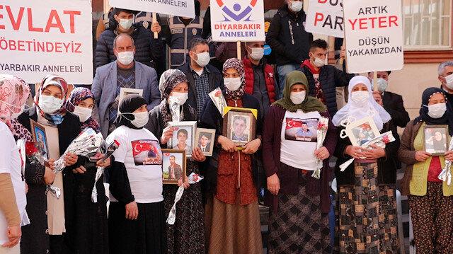 Diyarbakır annelerinden CHP'li Özel'in sözlerine tepki: HDP'yi PKK'yı lanetleyip kınamasını istedik bize cevap vermedi
