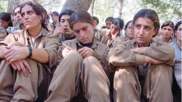 Fotoğraflar ilk defa ortaya çıktı: PKK dağa kaçırdığı kızlar için 'HDP kampı' görüntüsü oluşturdu