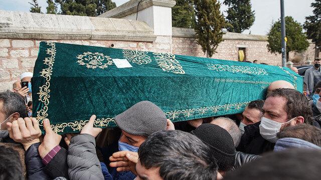 Silahlı saldırıda öldürülen 'ünlülerin hocası' Salih Memişoğlu son yolculuğuna uğurlandı