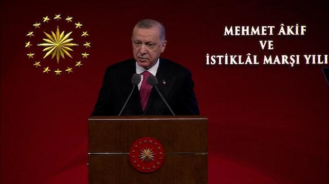 Cumhurbaşkanı Erdoğan, Mehmet Akif Ersoy'u anlattı: Müstemleke aydınlarına karşı bu toprakların sesi olmuş sembol bir şahsiyettir