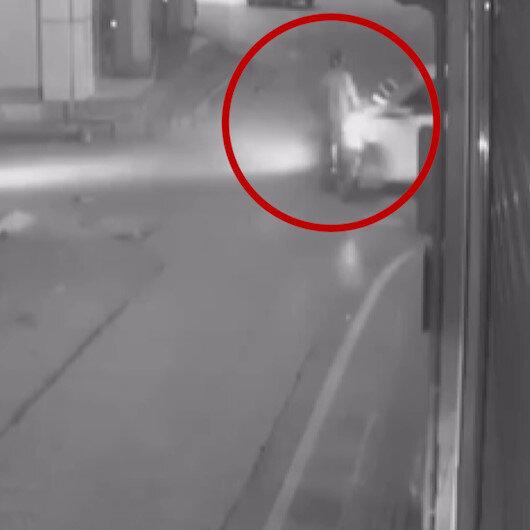 Polisten kaçan sürücü girdiği ters yolda motosikletliye çarptı