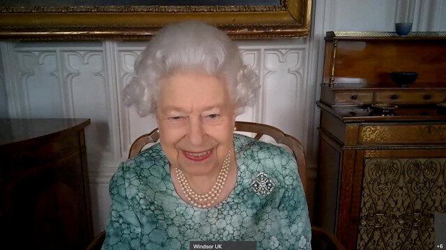 Olay yaratan röportaj sonrası Kraliçe Elizabeth'ten 'ırkçı değiliz' videosu