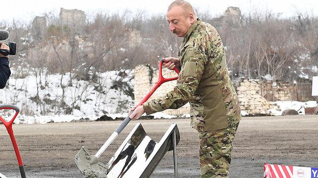 Temelini Aliyev attı: Ermenistan işgalinden kurtarılan bölgelerin çehresi değişiyor
