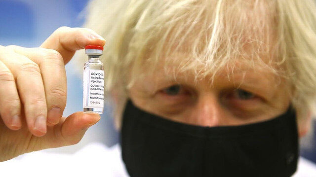 İngiltere Başbakanı Boris Johnson 21 ülkenin askıya aldığı AstraZeneca aşısını yaptıracak
