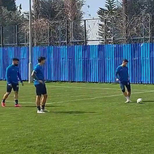 Adana Demirspor Çanakkale Türküsü eşliğinde antrenman yaptı