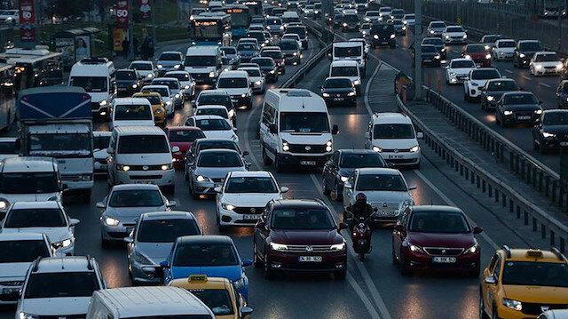 İstanbul'da bir cuma klasiği: Trafik yoğunluğu yüzde 70'i aştı