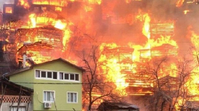 Çevre ve Şehircilik Bakanı Murat Kurum'dan Artvin'deki yangına ilişkin açıklama: 52 konutta hasar var