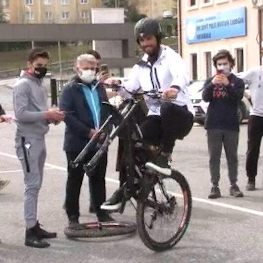 Kenan Sofuoğlundan bisikletle tek teker şovu