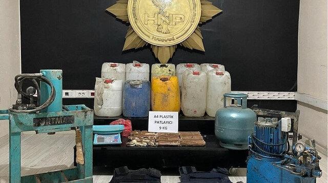 İçişleri Bakanlığı: Hakkari'de 9 kilo 200 gram A-4 plastik patlayıcı ele geçirildi