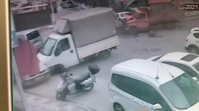 Maltepe'de kamyonet caddeyi birbirine kattı
