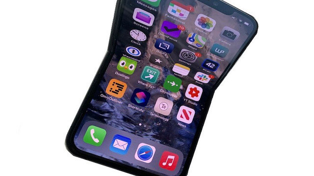 Apple katlanabilir iPhone'lar için karmaşık bir menteşe sistemi planlıyor