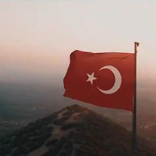 AK Partiden 7. Olağan Büyük Kongreye özel video: Milletimiz bir, bayrağımız bir, vatanımız bir, devletimiz bir...