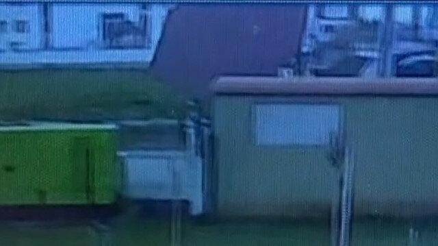 Diyarbakır'da şiddetli fırtınanın 1 tonluk çatıyı uçurduğu anlar kamerada