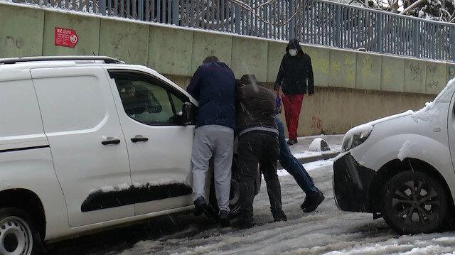 Kar yüzünü gösterdi İstanbullular zor anlar yaşadı