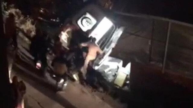 Ümraniye'de kontrolden çıkan ambulans işyerinin bahçesine uçtu