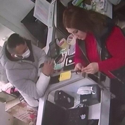 Eyüpsultanda saniyeler içinde telefon hırsızlığı kamerada