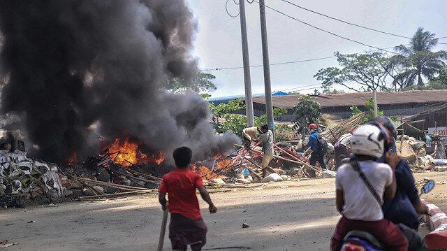 Myanmar'da darbe sonrası şiddet giderek artıyor: Ölenlerin sayısı 320'ye çıktı