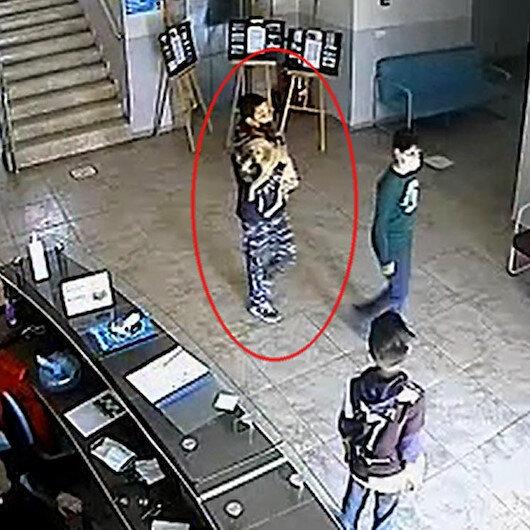 Saldırıya uğrayan yavru köpeği çocuklar tedavi ettirip sahiplendi