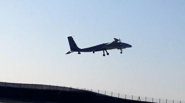 Selçuk Bayraktar müjdeyi verdi: Akıncı PT-3 ilk uçuşunu başarıyla tamamladı