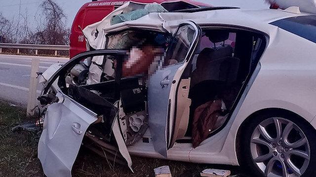 Düzce'de otobüs ile otomobil çarpıştı: Üç kişi ölü 11 kişi yaralandı