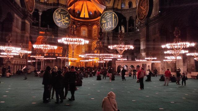 Ayasofya Camii'nde 87 yıl sonra Berat Kandili heyecanı