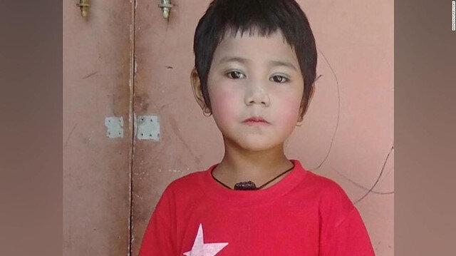 Myanmar'da darbeciler 7 yaşındaki çocuğu babasının kucağında katletti