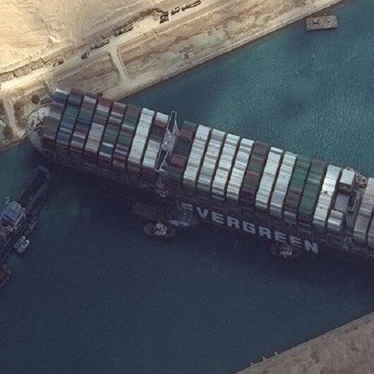 Süveyş Kanalında sıkışan yük gemisi kurtarıldı