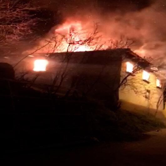 Bursada sobayı benzinle yakmak isteyen adam evi yaktı